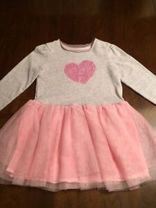 Beautiful holiday style dress with tulle bottom size 3t West Island Greater Montréal image 1