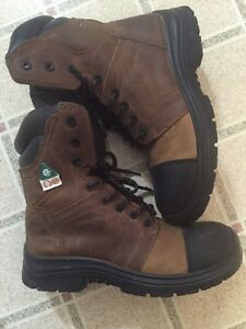 Timberland kodIak work boots (used once!)