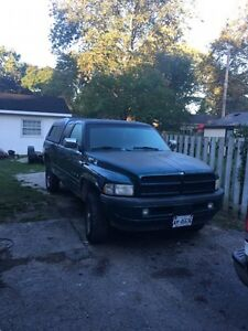 1997 Dodge Ram 1500 4x4 5.2 litre runs strong $500 need gone