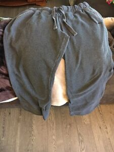 Ladies ROOTS Charcoal grey sweats-XL- used- $10