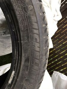 Pneus d'hiver Michelin X-Ice 235-50-R18