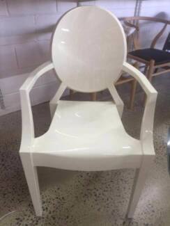 1 ONLY Ex Display Louis Ghost Chair Replica Philippe Starck Cream