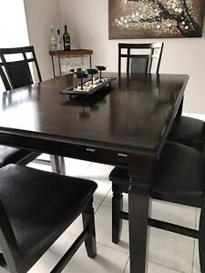 Moving Sale! Dining Room set 6 Chairs London Ontario image 1
