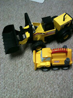 Tonka PLASTIC front end loader in mint condition. Perfect for an