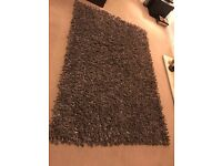 Large Brown Rug + 4 matching cushions