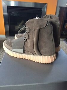 FT: Adidas x Kanye West Yeezy Boost 750 Size 8.5