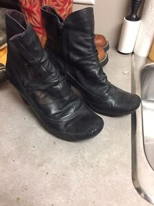 4 pairs of various boots  Strathcona County Edmonton Area image 7