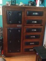 1970s Solid oak and leather high end bedroom set