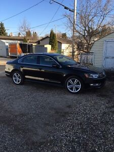 2012 passat highline 3.6 V6 warranty 2 yrs Regina Regina Area image 1