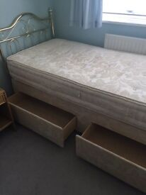 Single Bed - as good as new!
