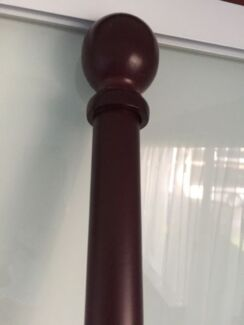 210 cm dark wooden rail with brackets and rings Miami Gold Coast South Preview