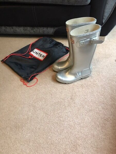 Girls silver hunter wellies size uk 1