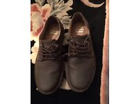 Mens size 7 CLARKS SHOES VERY GOOD CONDITION