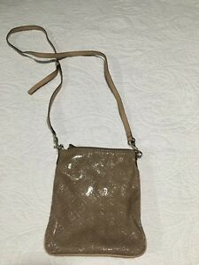 Authentic Guess Purses for Sale  St. John's Newfoundland image 6