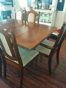 Palliser Duncan Phyfe Dining Room table set with 6 chairs