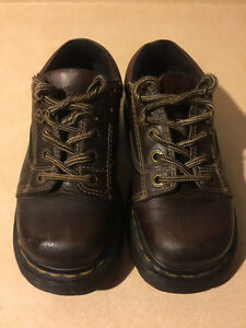 Dr. Martens Airwair Shoes Size 4 Male, 5 Women London Ontario image 7