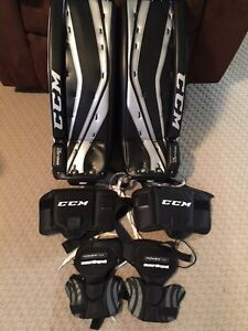 """23"""" CCM Premier R1.5 Youth Pads for sale Sarnia Sarnia Area image 5"""