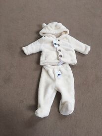 Unisex 3-6 months baby gap winter outfit BNWT