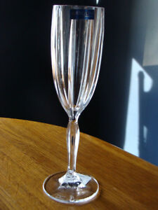 4 MARQUIS OMEGA WATERFORD CRYSTAL CHAMPAGNE FLUTES London Ontario image 3