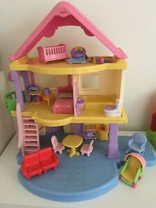 Fisherprice dollhouse