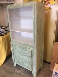 Vintage/antique cabinet