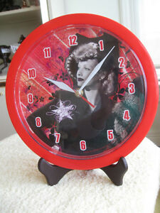COLLECTOR'S DAZZLING LUCILLE BALL BATTERY-OPERATED WALL CLOCK