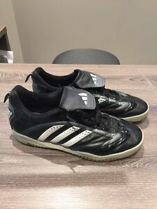 Indoor soccer shoes size 5 1/2
