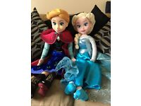 Frozen singing dolls
