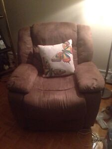 Electric Recliner 4 Sale $40