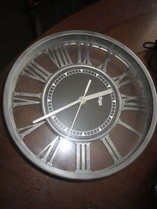 PERFECT CONDITION Clock