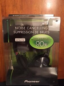 Pioneer Noise Cancelling Headphone - Brand New
