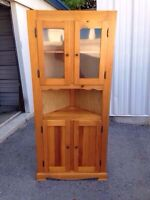 Wooden Corner hutch display cabinet/ cupboard - great condition