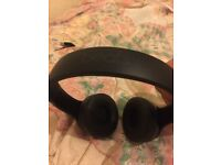 Beats by dr dre solo3 wireless (new condition)