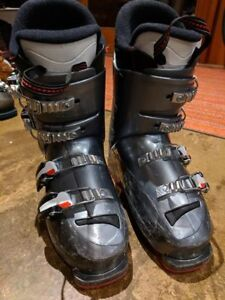Rossignol Comp Jr ski boot. size 23.5 (roughly size 4).