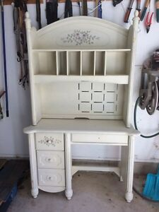 Desk for sale! Girls' desk or bookshelf