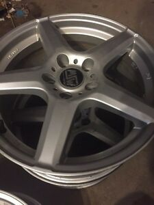 Set of 4 after market rims Oakville / Halton Region Toronto (GTA) image 2