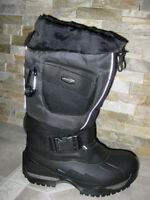 brand new Baffin snowmobile boots