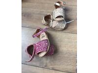 (New) Gorgeous glitter sandals size 4toddler