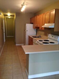 ** 3 Bedroom Apt in South End Near SMU/ DAL **