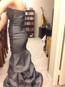 Grey Floor Length Dress Kitchener / Waterloo Kitchener Area image 4