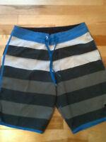 Shorts de marque Quicksilver- grandeur 30