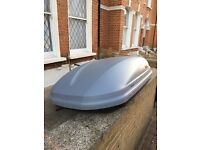 Thule 100 Pacific Roof Box and Rails