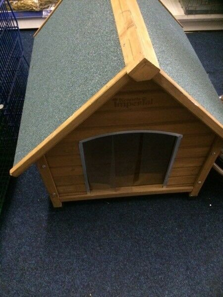Wooden dog kennel excellent condition
