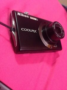 Nikon COOLPIX S4000 PERFECT CONDITION London Ontario image 2