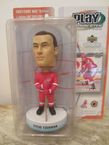STEVE YZERMAN - UPPER DECK PLAYMAKERS BOBBLE HEAD