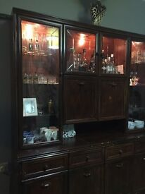 Beautiful display cabinet with ample storage and plenty shelves (Bar)