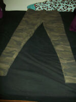 Garage Camo Leggings