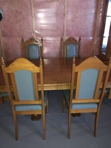 Dining Table set with Glass Hutch for Sale Kitchener / Waterloo Kitchener Area image 3