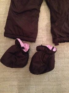 Snowsuit, size 18 to 24 m. London Ontario image 3