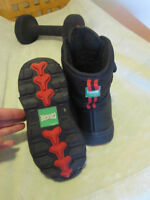 Size 9 toddler cougar boots